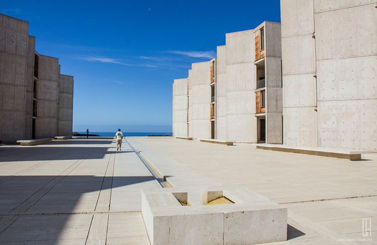 entry step- Salk Institute Louis Kahn หลุยส์ คาห์น