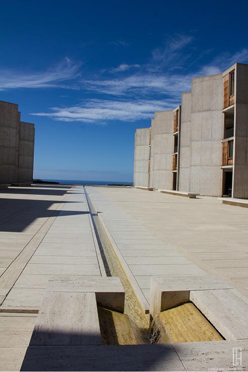 plaza-Salk Institute Louis Kahn หลุยส์ คาห์น