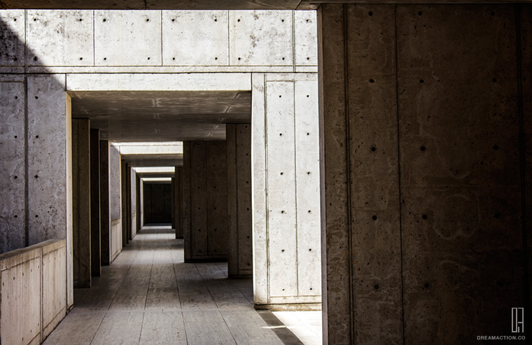 corridor Salk Institute Louis Kahn หลุยส์ คาห์น