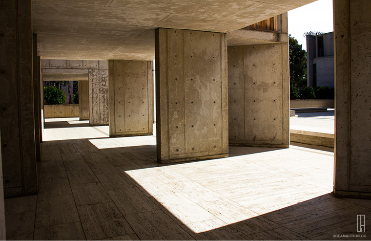 hallway fin Salk Institute Louis Kahn หลุยส์ คาห์น