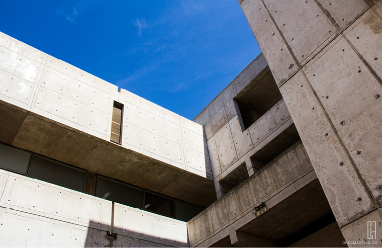 court space 2 Salk Institute Louis Kahn หลุยส์ คาห์น
